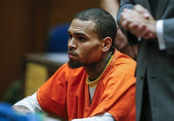 Chris Brown es trasladado a una cárcel de Virginia para finalizar su condena