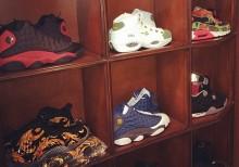Drake muestra parte de su colección sneakers