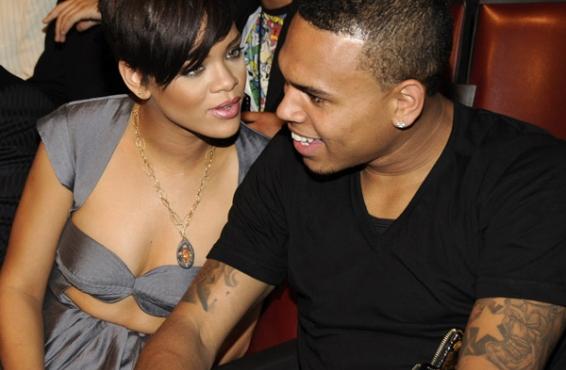 Rihanna retira la orden de alejamiento de Chris Brown