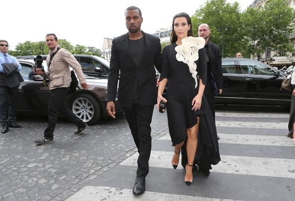 Kanye West y la familia Kardashian disfrutan de los momentos previos a su boda en París