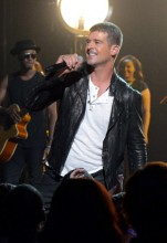 Robin Thicke debuta con su nuevo single, «Get Her Back», en los Billboard Music Awards 2014