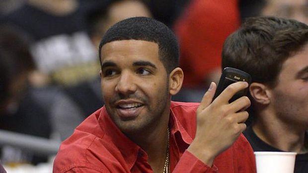 Drake negocia con BlackBerry para convertirse en la imagen de su nuevo Smartphone