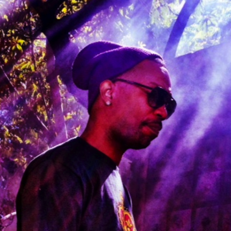 Juicy J – Holy Ghost (feat. Lil Bibby)