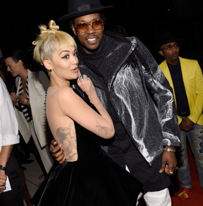 2 Chainz, Rita Ora y Jennifer López entre otros looks del Fashion Rocks 2014
