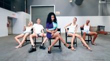 Nicki Minaj enseña a las modelos de Alexander Wang los movimientos más sensuales de Anaconda