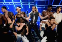 Iggy Azalea se corona en los American Music Awards interpretando 'Fancy' y 'Beg For It'