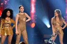 Jessie J, Ariana Grande y Nicki Minaj interpretan 'Bang Bang' en los AMA 2014