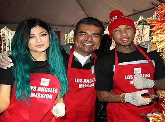 Cash Money, Jeezy o Tyga con Kylie Jenner reparten comida por Acción de Gracias