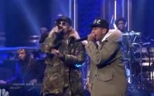 Chris Brown y Tyga interpretan 'Ayo' en The Tonight Show