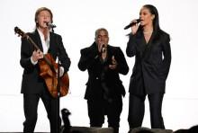 Rihanna, Kanye West & Paul McCartney y su 'FourFiveSeconds' en los Grammy 2015