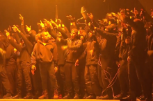 Kanye West estrena en directo su nuevo single 'All Day' en los Brit Awards 2015