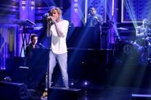 Wiz Khalifa interpreta 'See You Again' en The Tonight Show de Jimmy Fallon