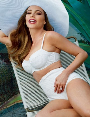 1428673067 extras albumes 0 360x470 - Sofía Vergara posa para Annie Leibovitz en Vanity Fair