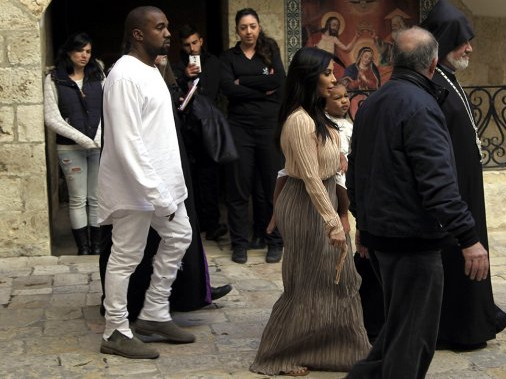 Kanye West y Kim Kardashian bautizan a North West en Jerusalén