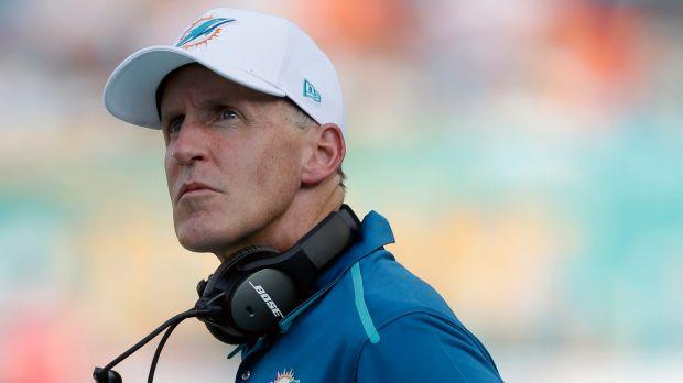 El entrenador de los Miami Dolphins lleva a sus jugadores a ver 'Straight Outta Compton'
