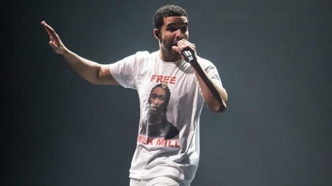 Drake la vuelve a liar y se mofa de Meek Mill durante su actuación en el OVO Fest