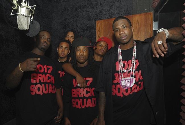 Gucci Mane junto a toda su gente de 1017 Brick Squad
