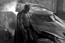 Ben Affleck se lleva a unos cuantos fans a dar una vuelta en el Batmóvil