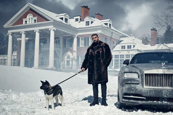 Drake se rodea de clase para el 'digital booklet' de VIEWS