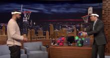 Drake juega al 'Faceketball' en el show de Jimmy Fallon