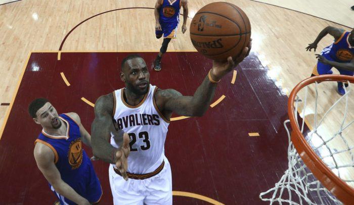 Los Cavs ganan a los Warriors (115-101), la final de la NBA se decidirá el lunes