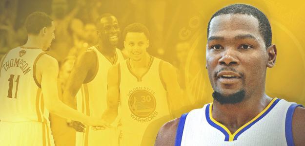 Kevin Durant firma por los Warriors y pone patas arriba la NBA
