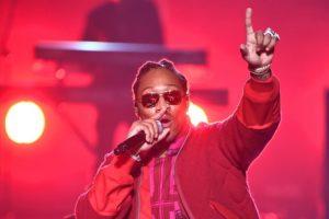 Future canta 'F*ck Up Some Commas' en los MTV VMAs ante sus haters