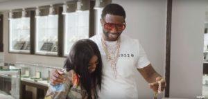 Dreezy y Gucci Mane se suben al coche para lanzar el videoclip de 'We Gon Ride'