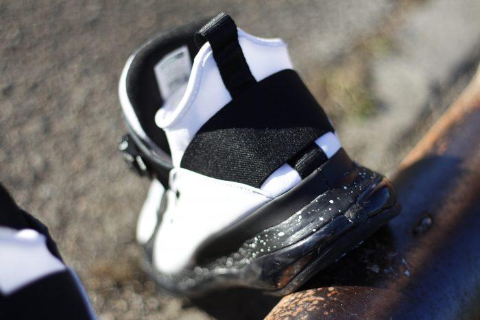 1 1 700x467 - Review PUMA x MCQ 'Cell Mid' en #SneakersTV