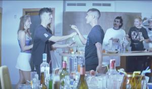 Agorazein sigue subiendo el nivel con el videoclip de 'Golfi'