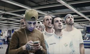 DICC y El Perla se recorren Ikea en el vídeo de 'Yavi'