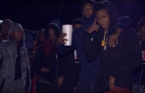 NBA YoungBoy y 21 Savage sacan las pistolas en 'Murder (Remix)'