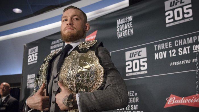 La UFC le quita uno de sus cinturones de campeón a Conor McGregor