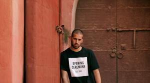 Sago Watios vuelve a escena con el videoclip de '100 Dirhams'