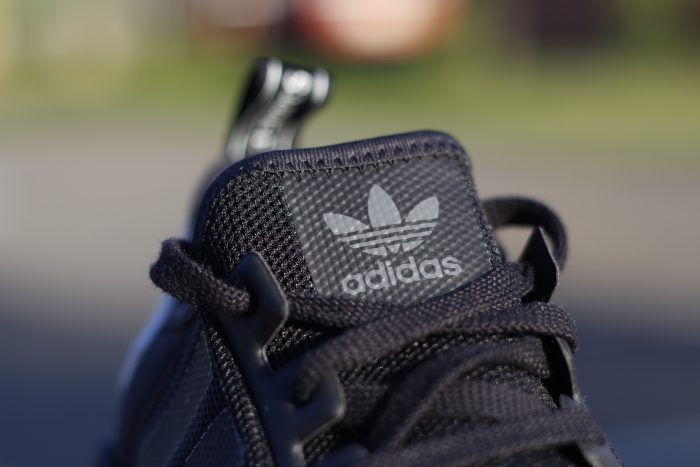 MG 8420 700x467 - Review 'adidas NMD R1' en #SneakersTV