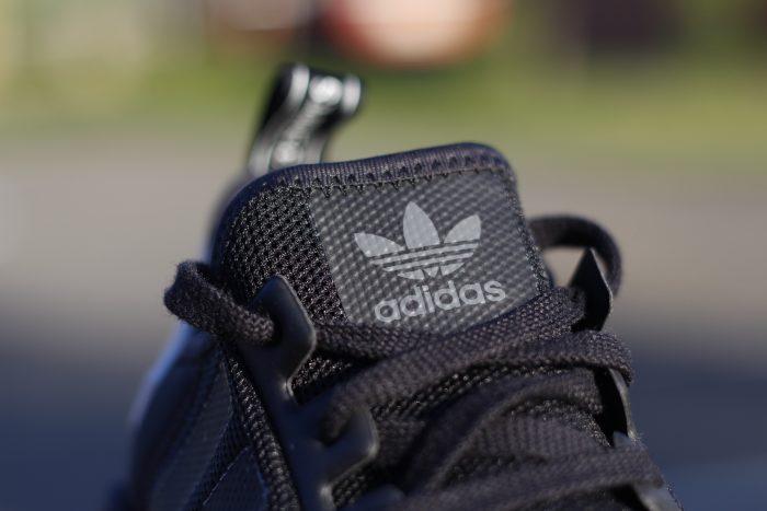 MG 8420 700x467 - Review 'adidas NMD R1' en #SneakersTV