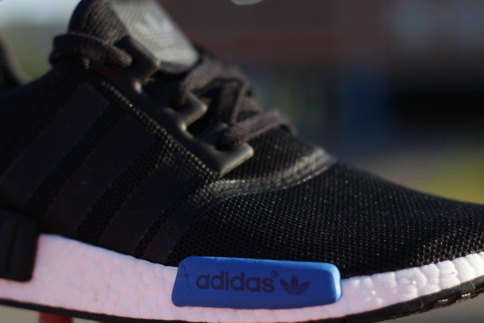 MG 8422 700x467 - Review 'adidas NMD R1' en #SneakersTV