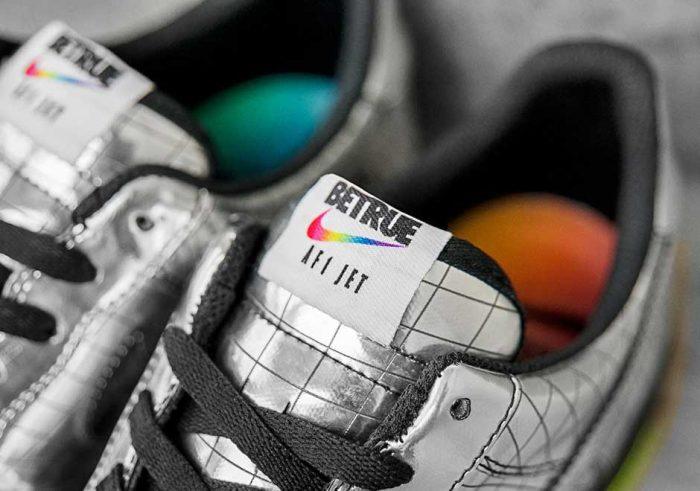nike air force 1 jet elton john 2 700x491 - Nike Air Force 1 Jet, las zapatillas diseñadas exclusivamente para Elton John