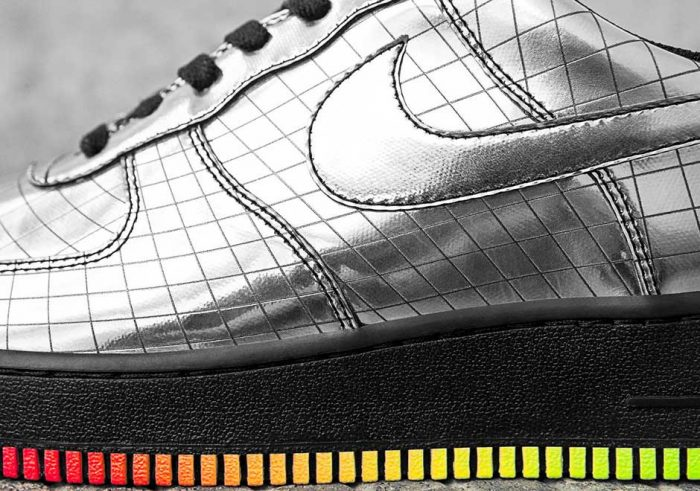 nike air force 1 jet elton john 4 700x491 - Nike Air Force 1 Jet, las zapatillas diseñadas exclusivamente para Elton John
