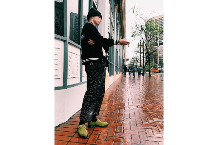 Supreme x Dr. Martens 2 700x467 - Supreme y Dr. Martens colaboran para crear el streetwear más elegante