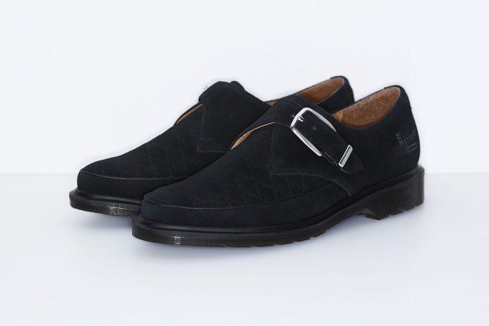 Supreme x Dr. Martens 7 700x467 - Supreme y Dr. Martens colaboran para crear el streetwear más elegante
