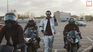 Skepta quema rueda junto a Lethal Bizzle en el videoclip 'I Win'
