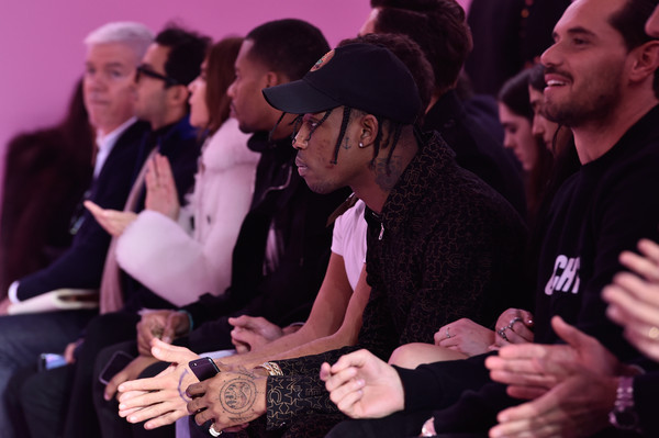 Travis Scott recibe una demanda de su antiguo mánager por deudas pendientes
