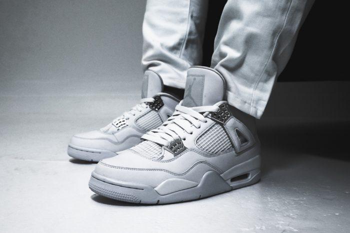 Jordan Pure Money Collection  2 700x467 - Las Air Jordan 4 'Pure Money' vuelven a las tiendas una década después