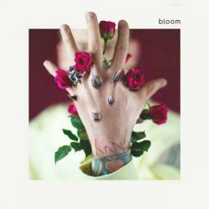 Machine Gun Kelly celebra la salida de 'Bloom' con un nuevo clip