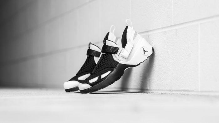 Así son las nuevas Air Jordan Trunner LX en blanco y negro