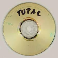 images 2 1 - ¿Todo vale como merchandising? Subastan el pene de Tupac