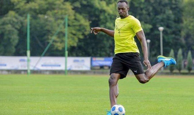 Usain Bolt quiere empezar una carrera en el fútbol profesional