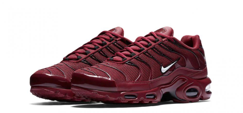 Air Max Plus Team Red. 1000x465 - Nike sigue apostando por el modelo Air Max Plus con las 'Team Red'