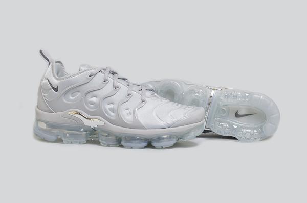 wolf grey 2 - #Kicks4ThisWeek: los lanzamientos de sneakers que no puedes perderte (02/18)